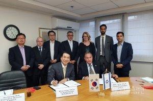 חתימת ההסכם בין לשכת המסחר ואיגוד הציוד הרפואי הקוריאני